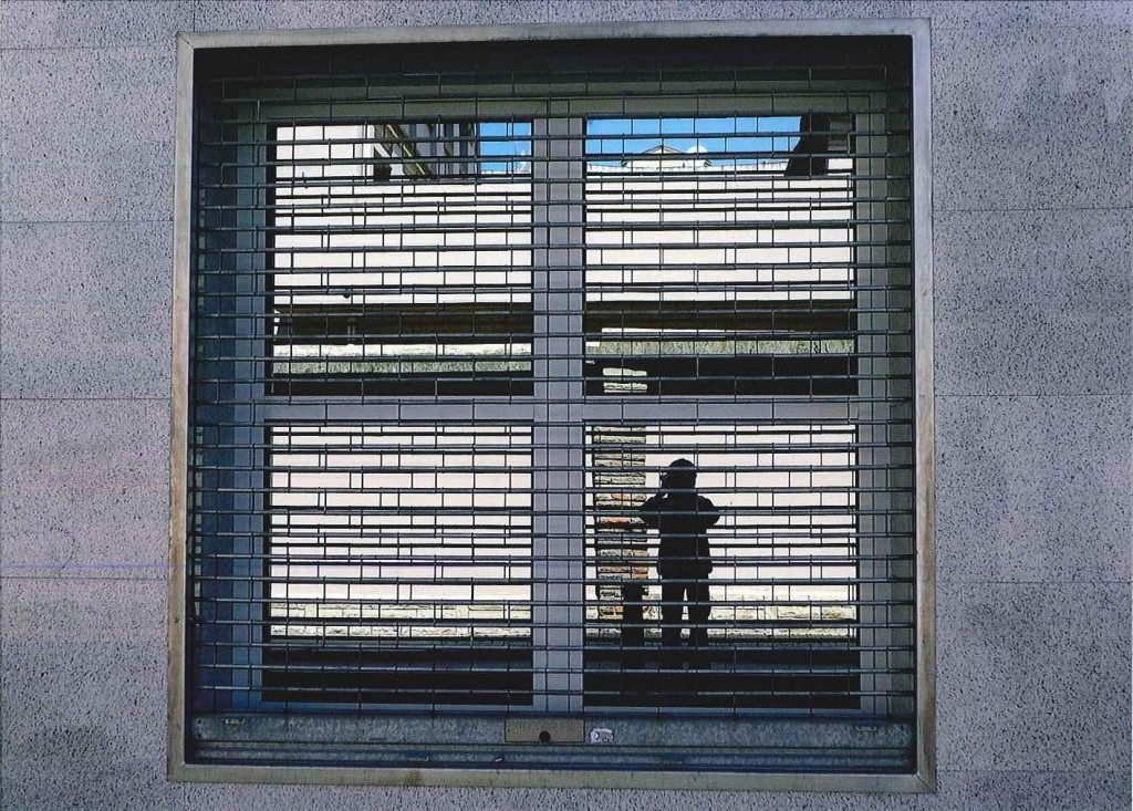 Títol: Fotògraf atrapat en un quart d'un quadrat Autor: Dani Rodríguez Solé Categoria: Primària Any: 2013 (3r Premi) Centre:Aula Escola Europea