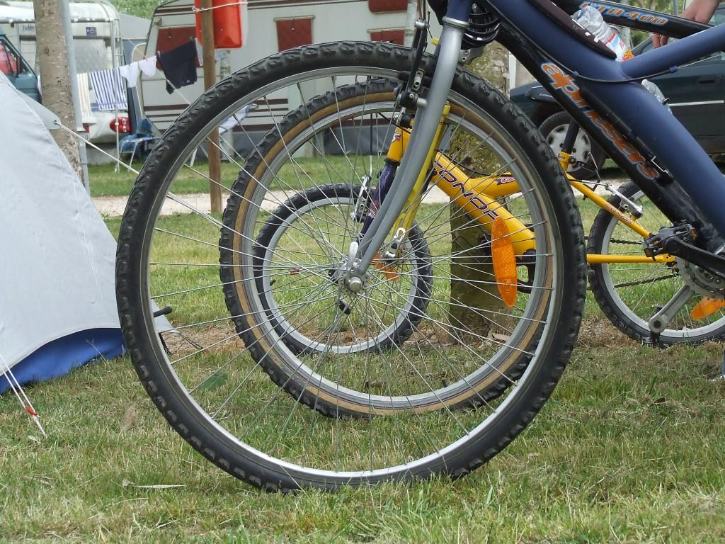 Títol: Tangents ciclistes Autor: Elisenda Fornaguera Rocher Categoria: 1r Cicle ESO (1r premi) Any: 2006 Centre: IES Puig de la Creu
