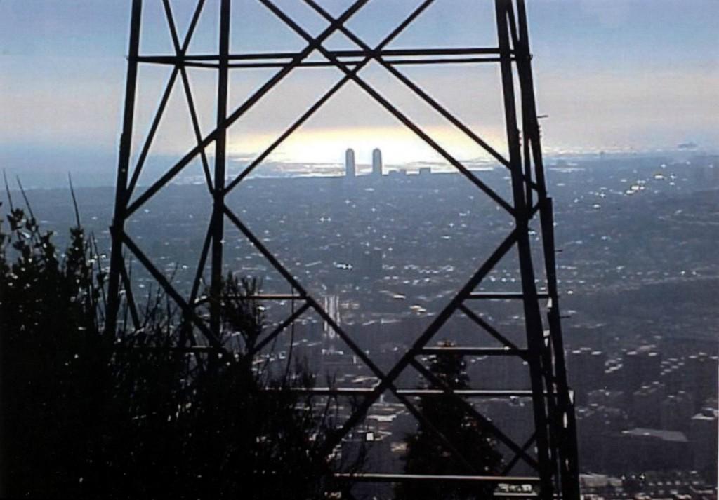 Títol: Geometria urbana Autor: Categoria: 2n Cicle ESO (accèssit) Any: 2004 Centre: IES Salvador Espriu