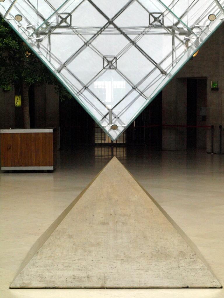 Títol: Diàleg piramidal Autor: Anna Caballero Categoria: Primària Any: 2009 (accèssit) Centre: MM Concepcionistes