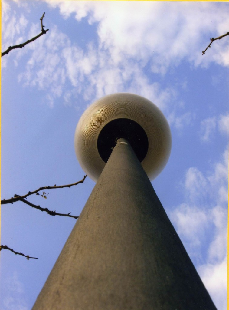 Títol: Esfera cònica Autor: Jaana Tsebotareva Categoria: Batxillerat i ESPO Any: 2005 (accèssit)  Centre: IES Illa de Rodes