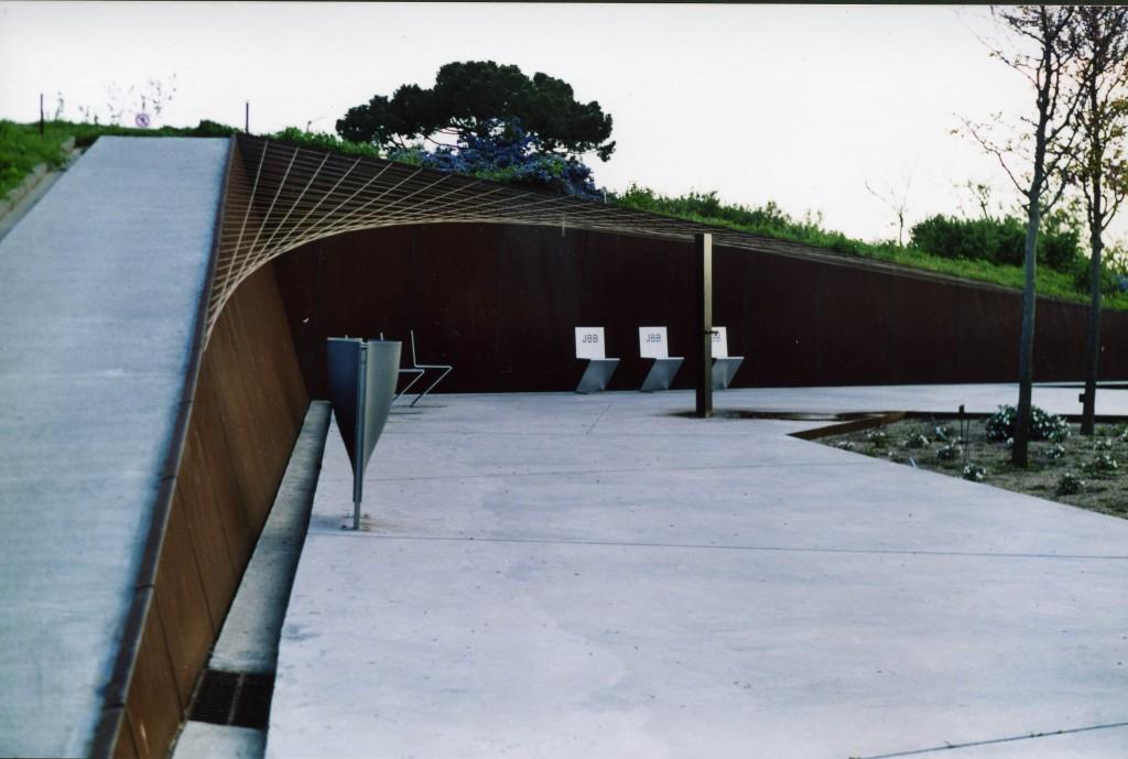 Títol: La paràbola en repòs Autor: Gemma Camacho Ruiz Categoria: Professorat (accèssit) Any: 2005 Centre: IES Arquitecte Manel Raspall