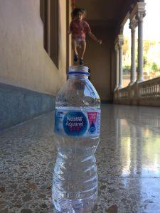 Quan amb Tales ens podem ficar dins una ampolla